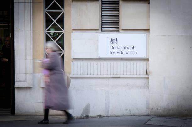 Departamento de educación, Westminster, Reino Unido - foto de stock