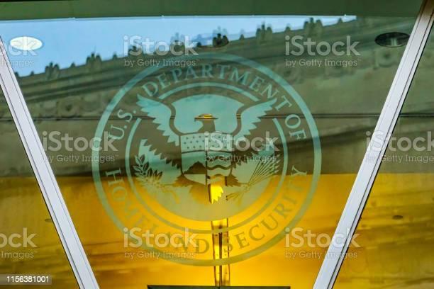 Department of homeland security symbol washington dc picture id1156381001?b=1&k=6&m=1156381001&s=612x612&h=ixfoqoo9jv8znqhzbvnjpxfdavtdkhbxee kskcdhd4=
