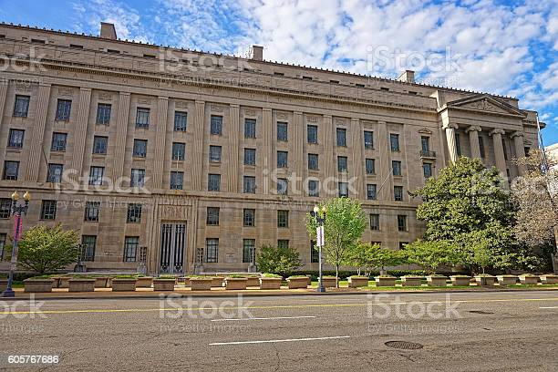 Department of justice building in washington dc usa picture id605767686?b=1&k=6&m=605767686&s=612x612&h=ddgs4q3hvy50ugnjebszpdhco5do  xieru5orvnjg0=