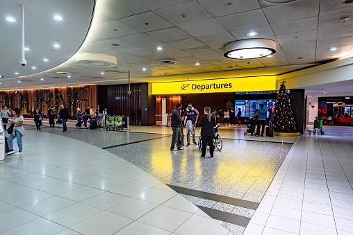 Departures Area Entrance In Melbourne Airport Australia - Fotografie stock e altre immagini di Aereo di linea
