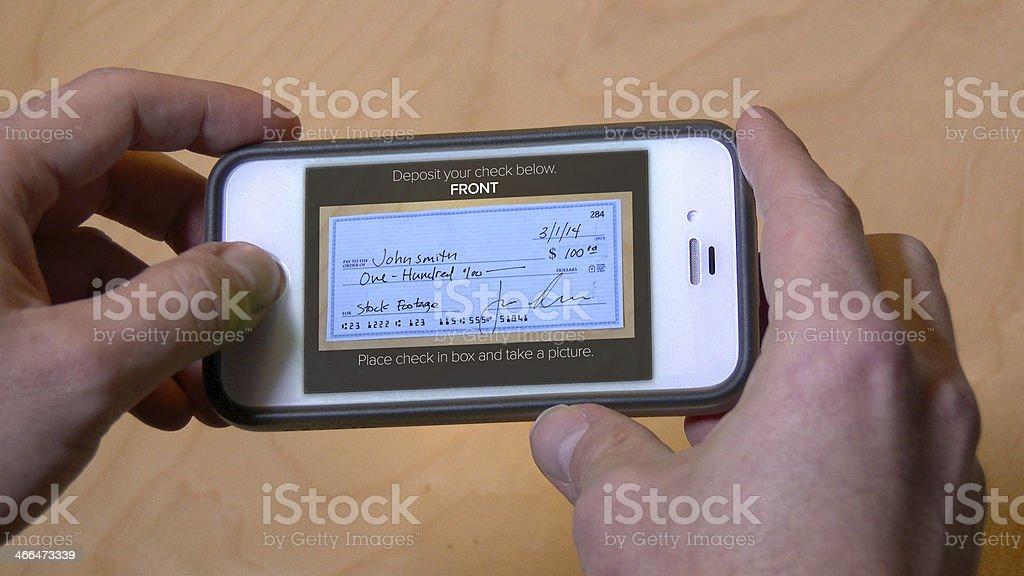 Cauzione verificare con il cellulare - foto stock
