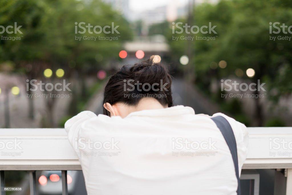 Deprimida mujer de negocios - foto de stock