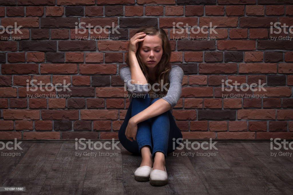 verzweifelte teenager zu hause