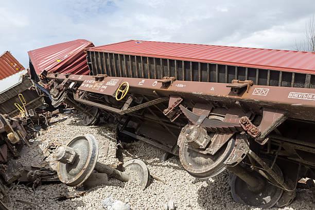 derailed train coaches at the site of a train accident - derail bildbanksfoton och bilder