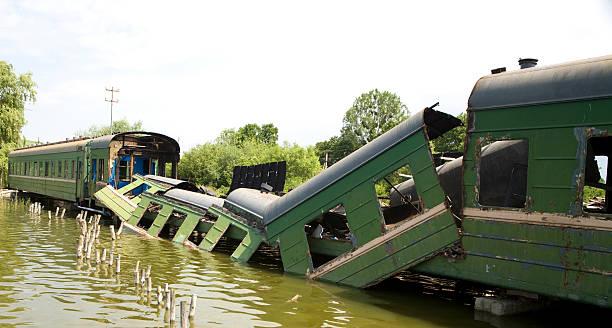 derailed train over a russian lake. - derail bildbanksfoton och bilder