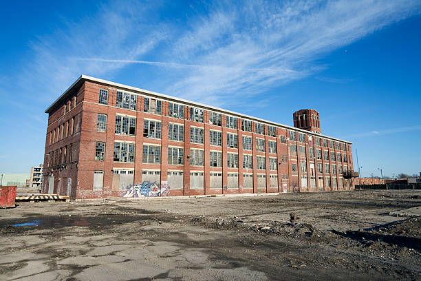 derelict building in chicago - dilapidated stock pictures, royalty-free photos & images