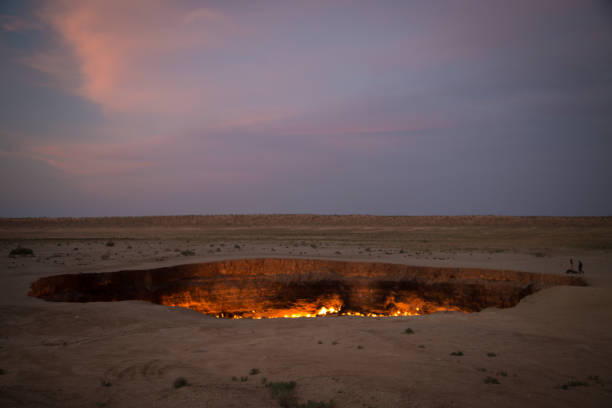 Derweze Gas Crater known as 'The Door to Hell',Turkmenistan Derweze Gas Crater known as 'The Door to Hell',Turkmenistan known gas stock pictures, royalty-free photos & images