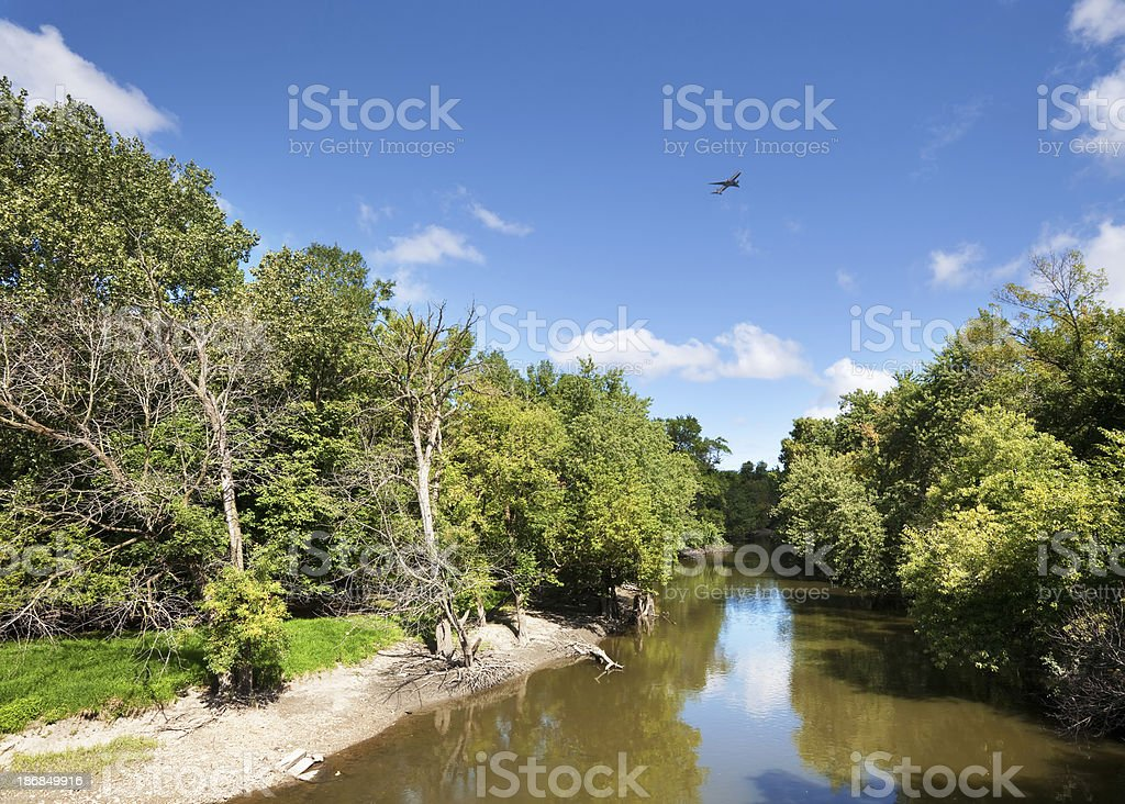 Des Plaines River flowing through Schiller Woods in Chicago royalty-free stock photo