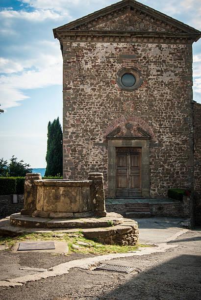 Desacred Kirche mit gut in der Toskana – Foto