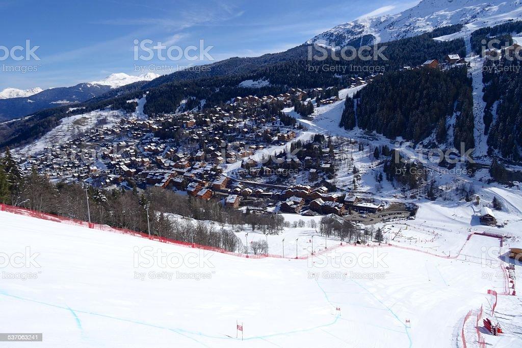 Descente à ski à Méribel stock photo