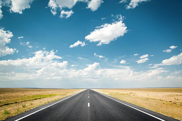 estrada no deserto - longo - fotografias e filmes do acervo