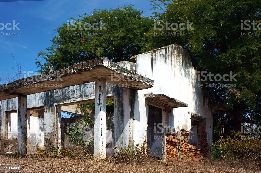 desert house abandoned between the devastated, fearlul land royalty-free stock photo