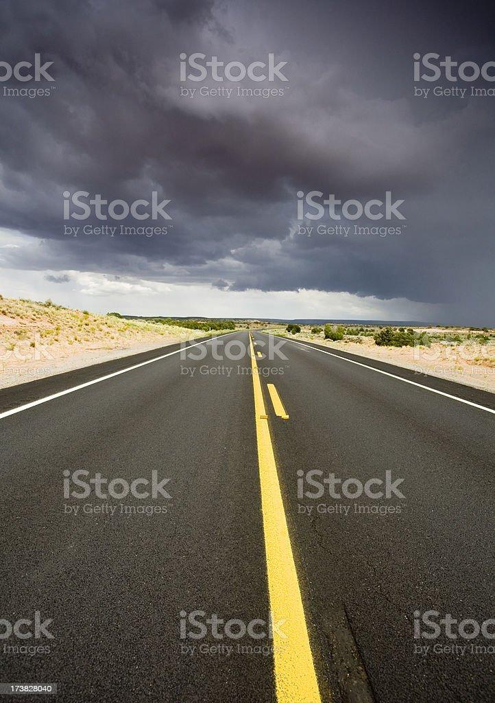 Desert road und storm – Foto