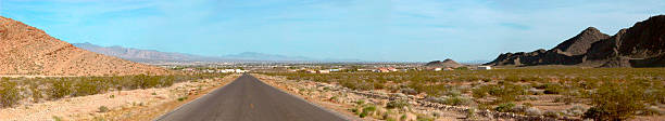 desert road - süd kalifornien stock-fotos und bilder