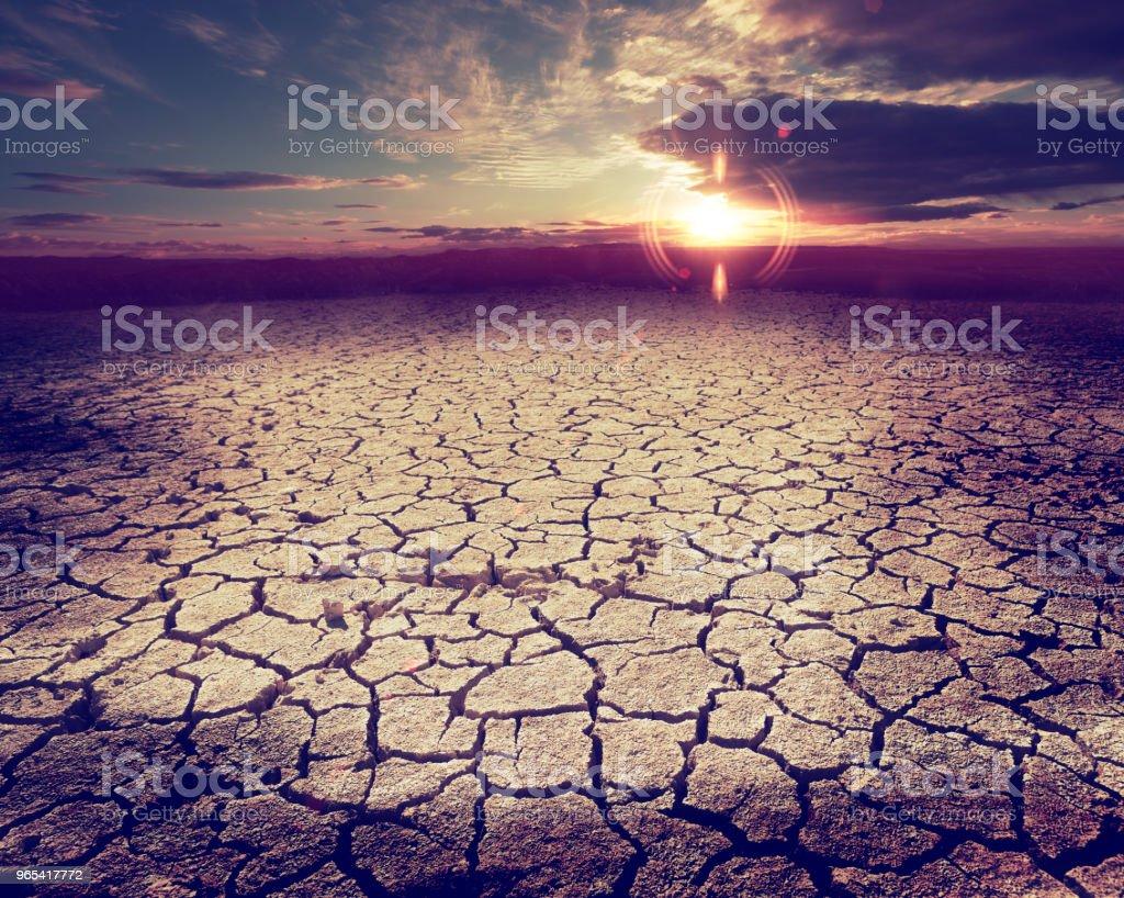 Tempête du désert et un sol sec - Photo de Accident et désastre libre de droits
