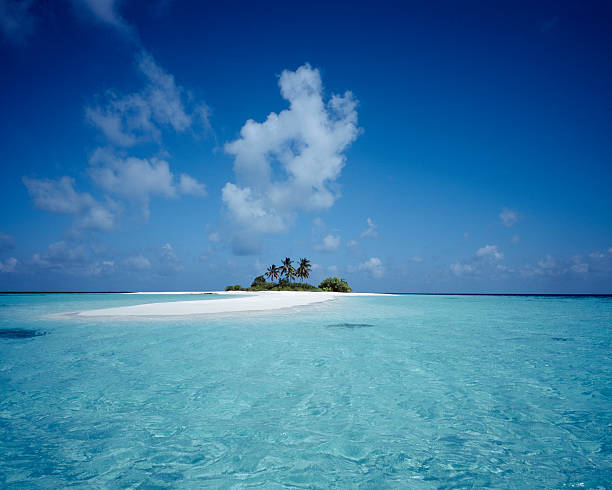 deserted island, maldives - desert island stock photos and pictures