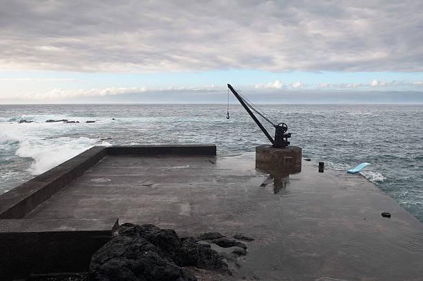 desertas quay - rain clouds porto portugal imagens e fotografias de stock