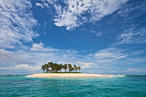 Deserted Tropical Island: Royalty Free Desert Island Pictures, Images And Stock