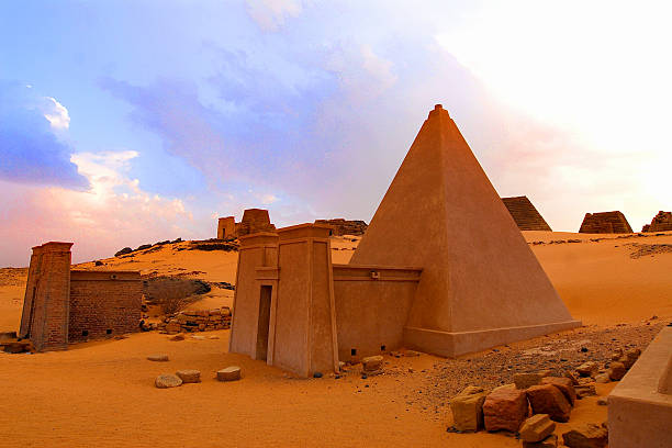 deserto del sudan - sudan stock photos and pictures