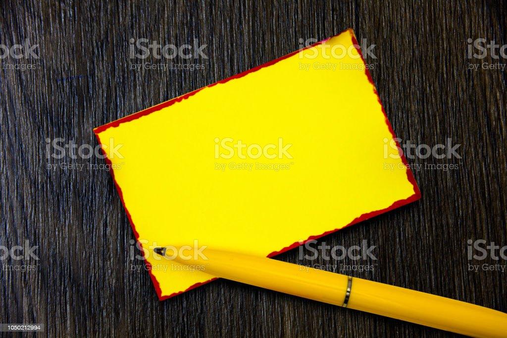 Design Business Konzept leere Vorlage Raum Texte für Ad Webseite isoliert Blankopapier Entdeckelte Ball Punkt grobe Holz Stiftspitze Pad Kratzer notiere – Foto