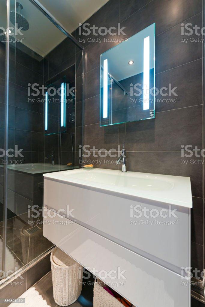 Design Des Modernen Luxus Badezimmer Interieur Stockfoto und ...