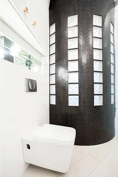 die badezimmer innen - badmöbel gäste wc stock-fotos und bilder