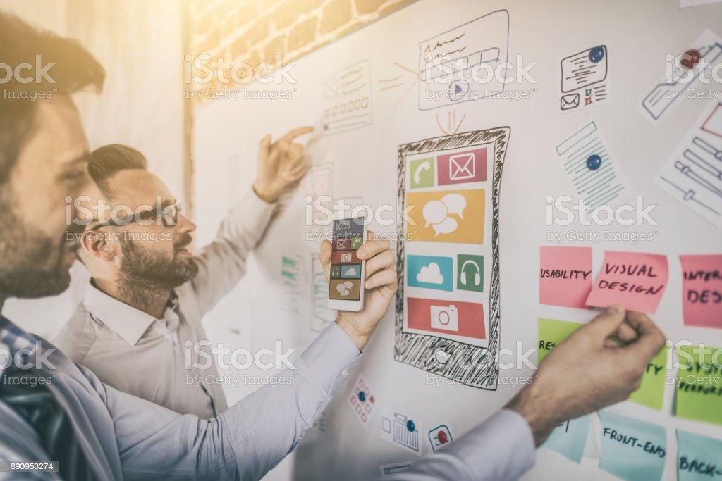 Designer zeichnen Website Ux-app-Entwicklung. - Lizenzfrei Analysieren Stock-Foto