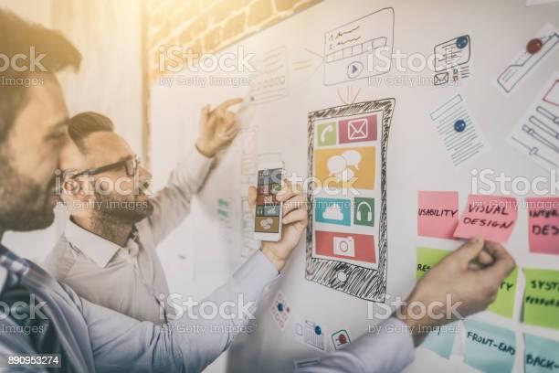 Designer Zeichnen Website Uxappentwicklung Stockfoto und mehr Bilder von Analysieren