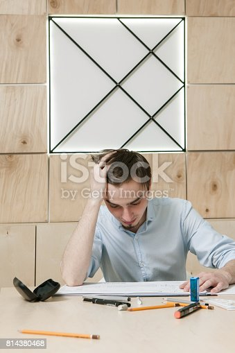 istock Designer's problem and stress, brainstorm concept 814380468
