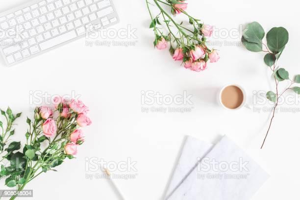 Desk with computer rose flowers eucalyptus flat lay top view picture id908048004?b=1&k=6&m=908048004&s=612x612&h=s44m2kucu9f0k0qnfseum17ytg9fypeasxxyurk263i=
