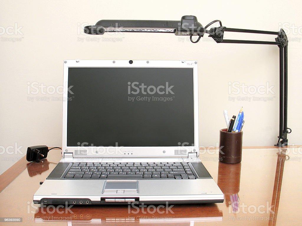 デスクトップの設定 - オフィスのロイヤリティフリーストックフォト