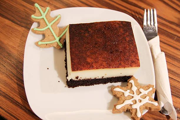 dessert - weihnachtlich tiramisu stock-fotos und bilder