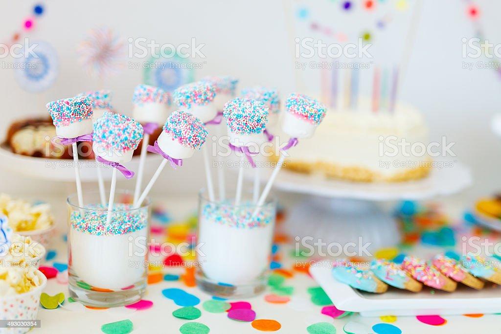 Dessert-Tisch im party – Foto