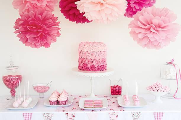 mesa de postres - baby shower fotografías e imágenes de stock