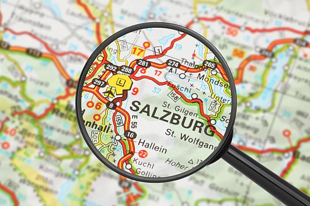 Reiseziel-Salzburg (mit Lupe) – Foto