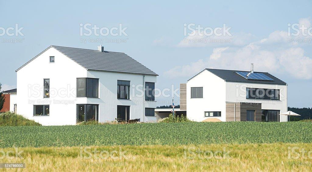 Einfamilienhaus auf dem Land royalty-free stock photo