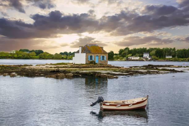 Maison isolée sur le «îlot de Nichtarguér sur la rivière Etel, Saint Cado, Belz, Morbihan, Bretagne - Photo