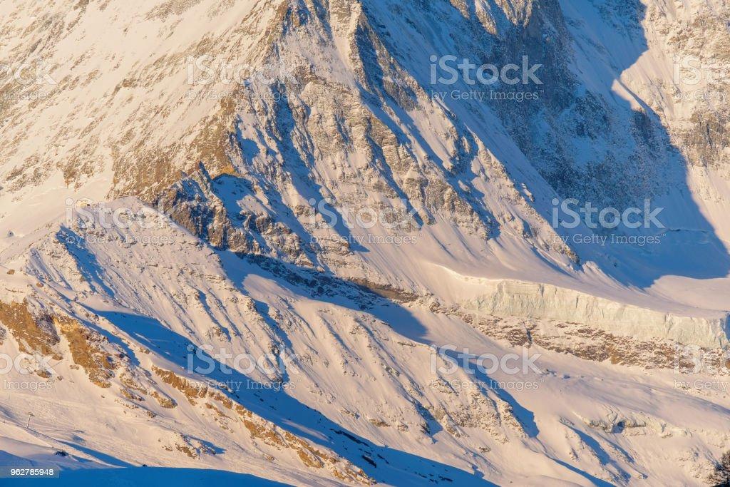 detail and close up Matterhorn peak background in Zermatt, Switzerland. - Foto stock royalty-free di Alpi