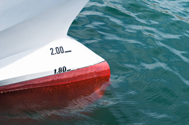 Detail bulbous bow Detail bulbous bow of a fishing boat deadweight stock pictures, royalty-free photos & images