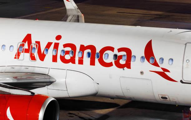 Detalhe de avião Avianca em São Paulo, Brasil-2018 - foto de acervo