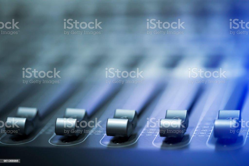 Digital sound mixer