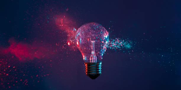 detail der glasexplosion - innovation stock-fotos und bilder