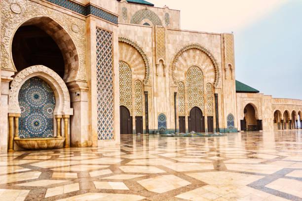 detalj av hassan ii-moskén - marocko bildbanksfoton och bilder