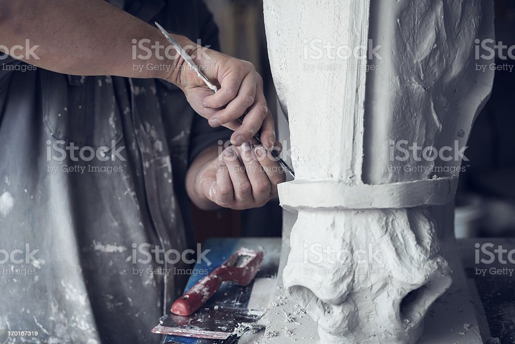 Detail des Bildhauers zeigt Stuckarbeiten – Foto