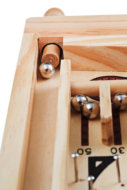 detail des frühlings tischkultur flipper spiel - pinball spielen stock-fotos und bilder