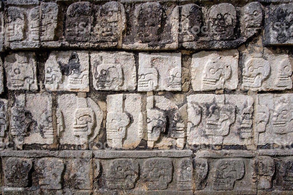 ディテールの石の彫刻で有名な遺跡チチェンて - エルカスティージョのロイヤリティフリーストックフォト
