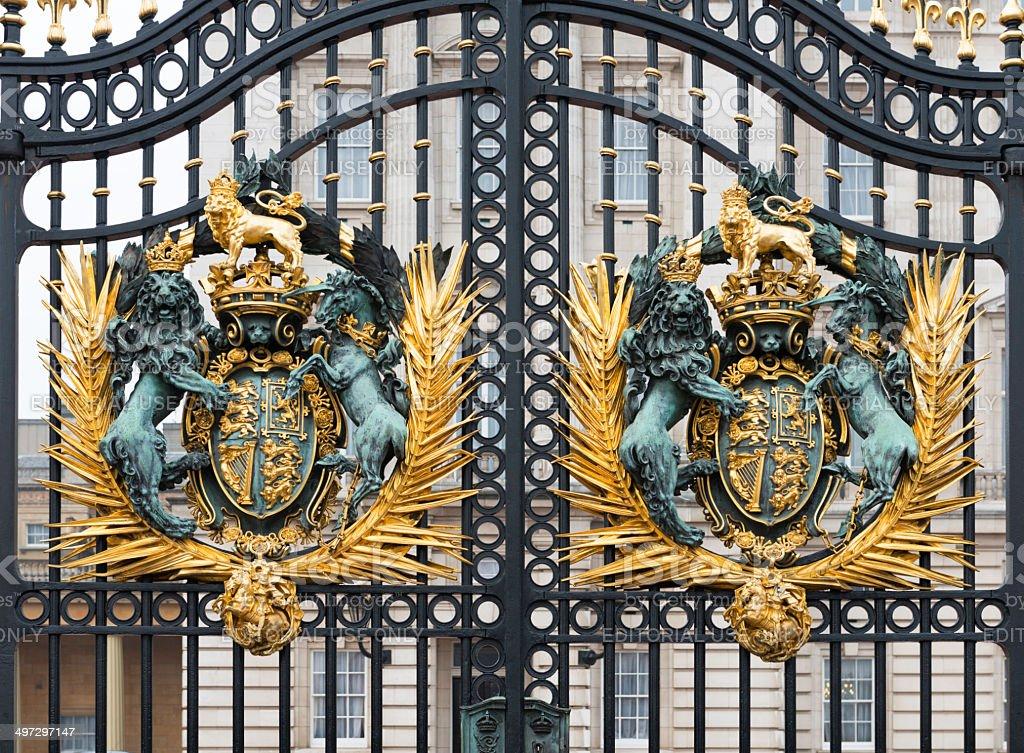 Detail of the shield and gates in Buckingham Palace, London stock photo