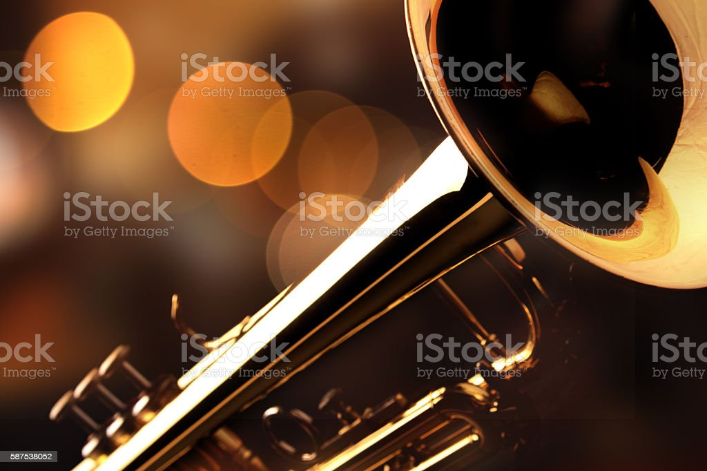 Detail of the trumpet in a jazz bar – Foto