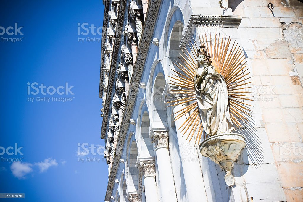 Detail of the Virgin Mary sculpture with Jesus stock photo
