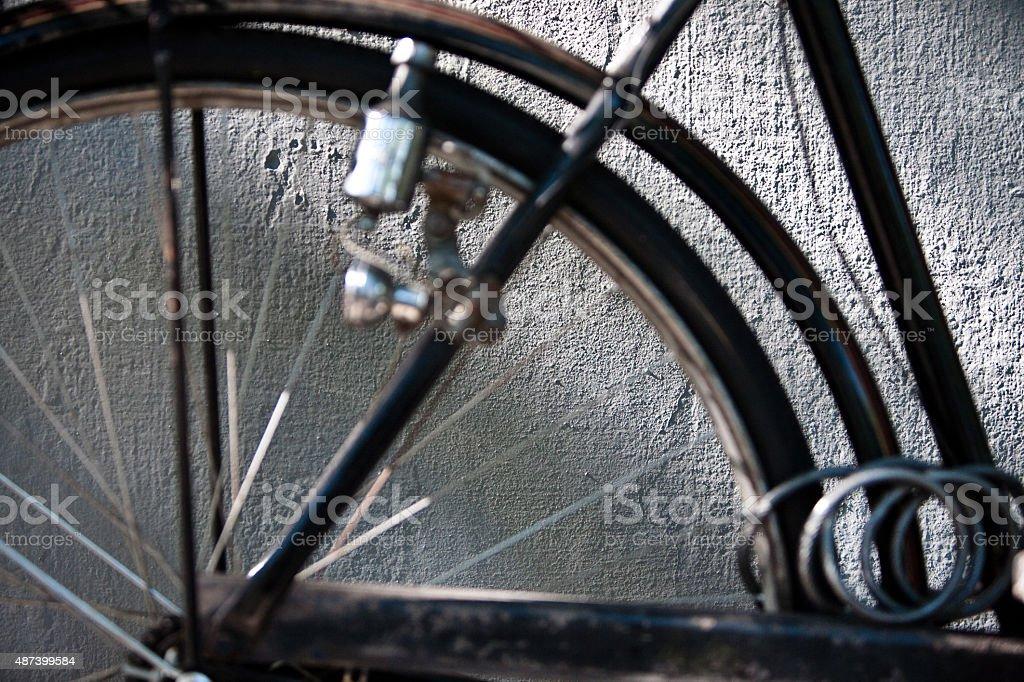 Detalhe de parede e Vintage com Corrente de bicicleta e Dynamo - foto de acervo